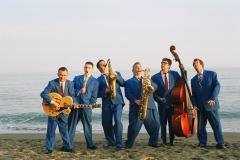 group on beach7