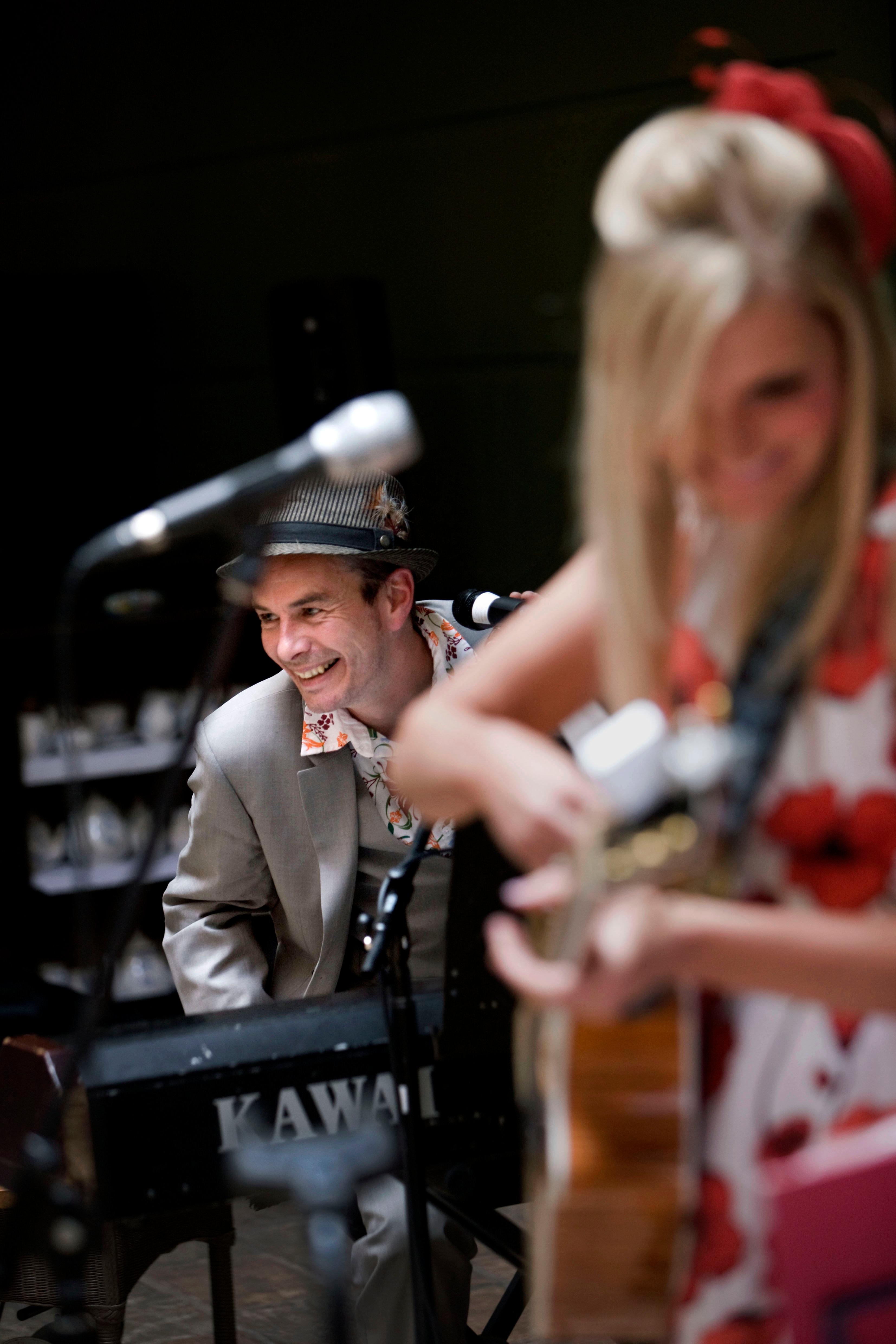 England, Birmingham, 30-06-11 Live recording of Tipitina at Hotel du Vin. © Foto Merlin Daleman